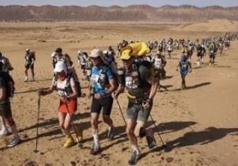世界上最魔鬼的马拉松撒哈拉沙漠跑6天 参赛还需缴纳